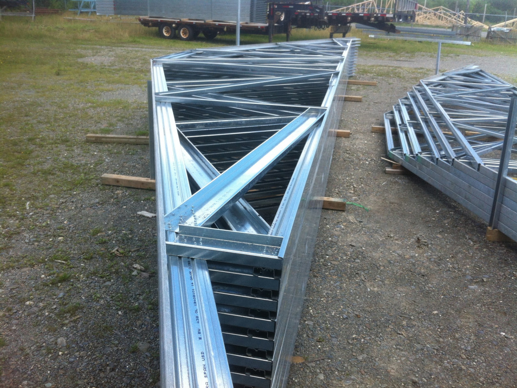 Steel Roof Trusses & Construction Materials